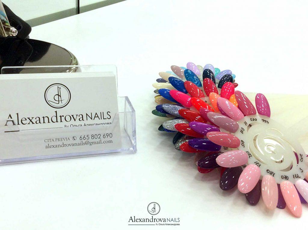 muestra de uñas para los cursos de decoración de uñas en Granada
