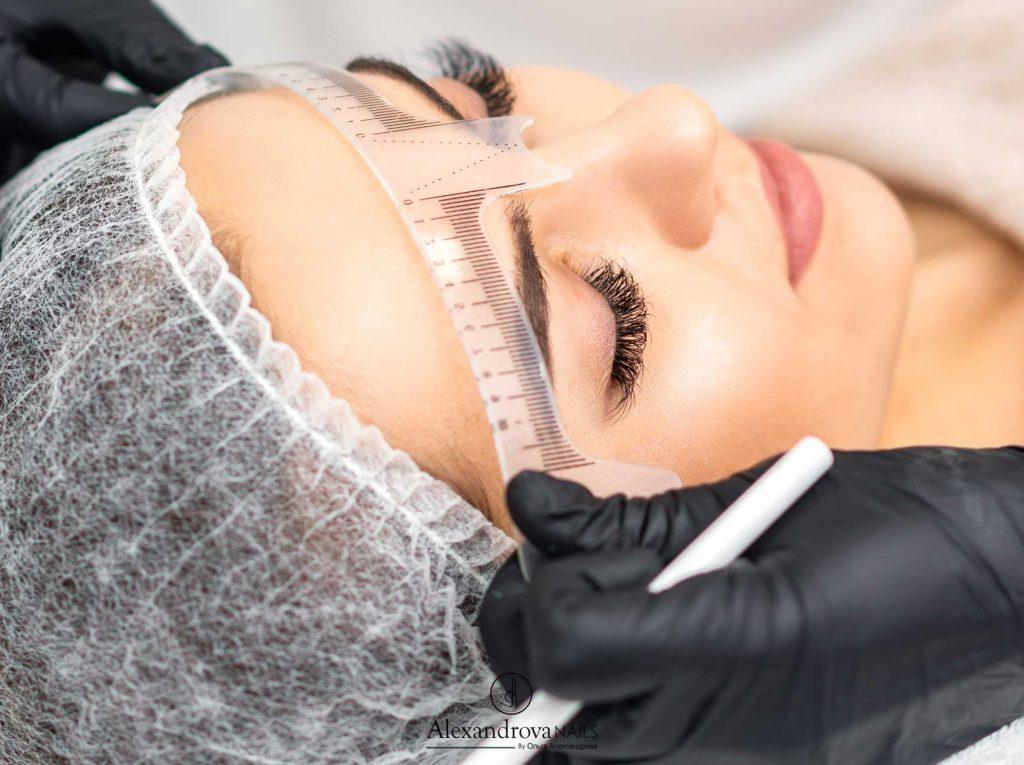 ejercicio del curso de micropigmentación de cejas en Granada