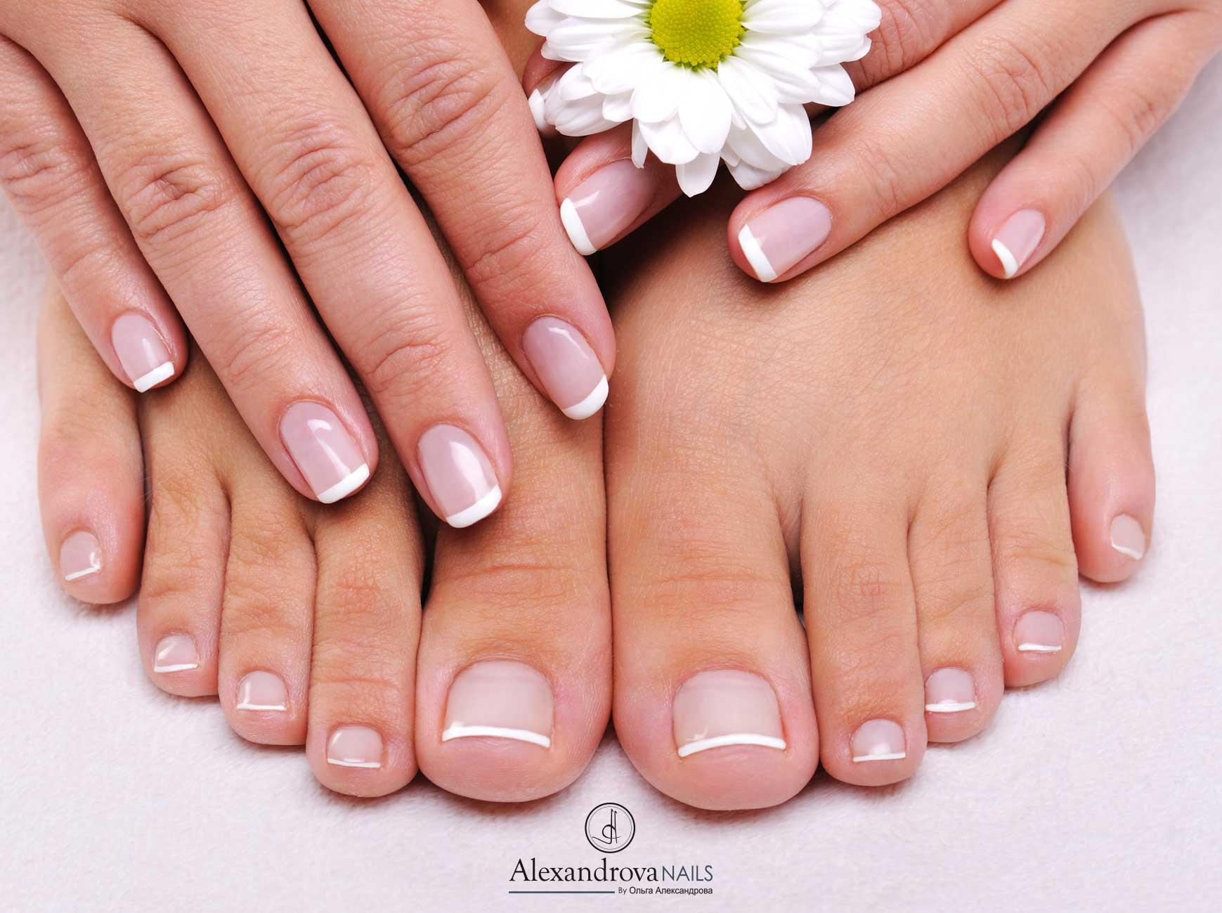 cursos y servicio de pintura de uñas de gel y uñas acrílicas en Granada