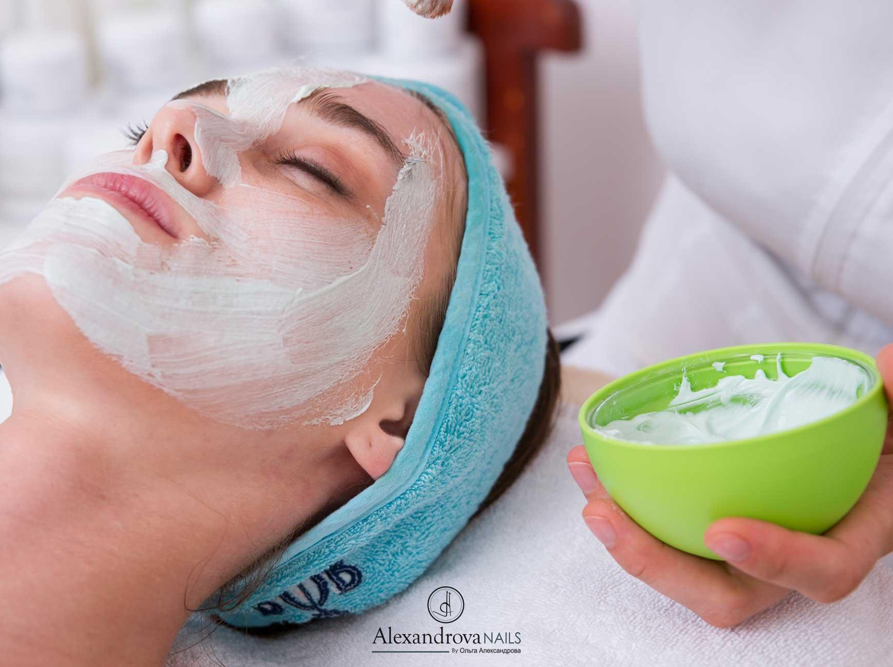 servicios de salón de belleza en Granada en Alexandrova Nails