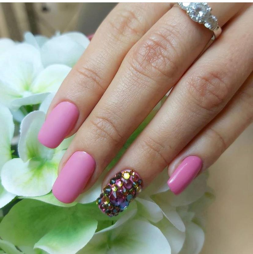 cursos de decoración de uñas en Granada